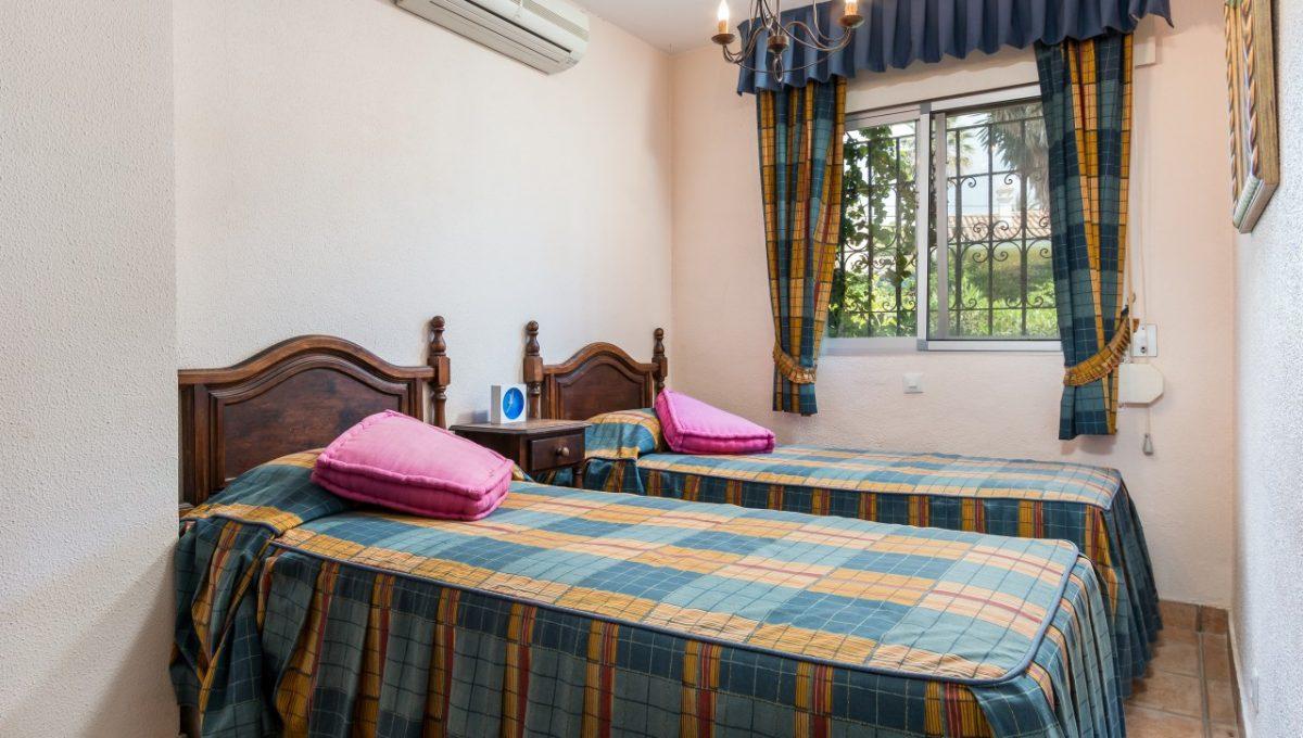 10-BEDROOM-DISCOUNT-PROPERTY-CENTER-MARBELLA