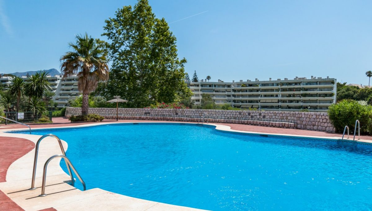 15-POOL-DISCOUNT-PROPERTY-CENTER-MARBELLA