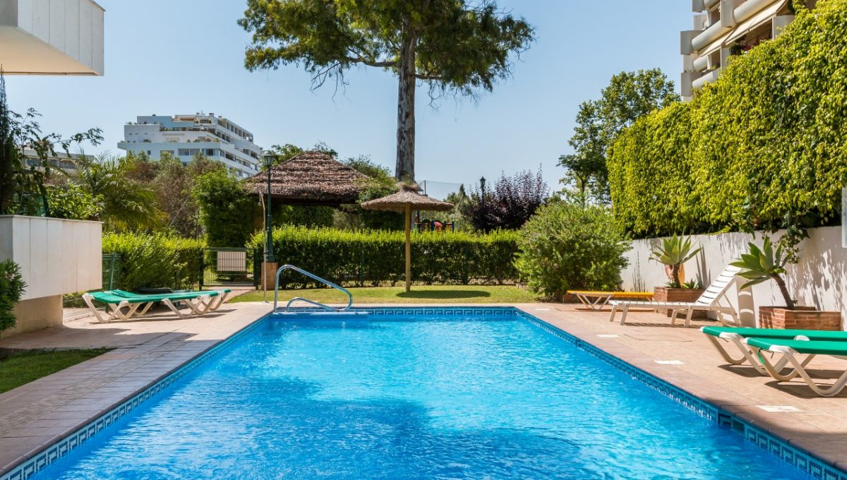 16-POOL-DISCOUNT-PROPERTY-CENTER-MARBELLA-1