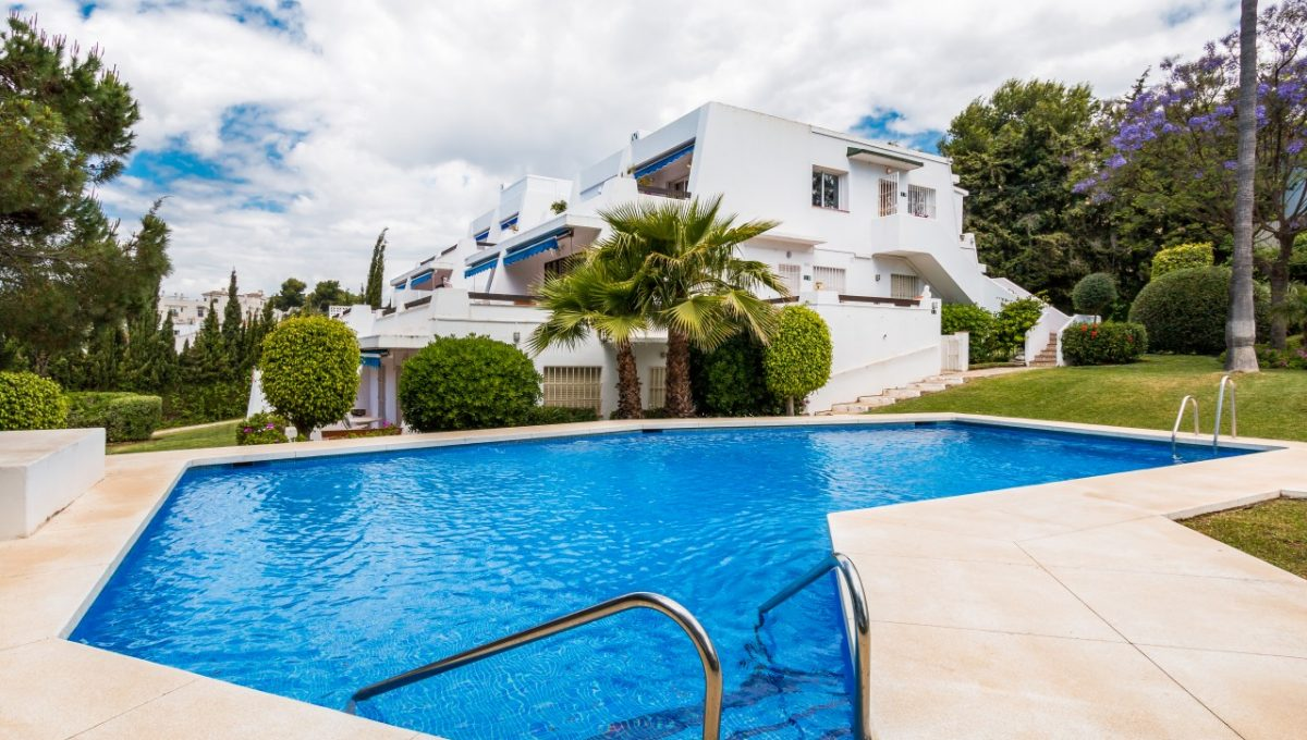 16-POOL-DISCOUNT-PROPERTY-CENTER-MARBELLA