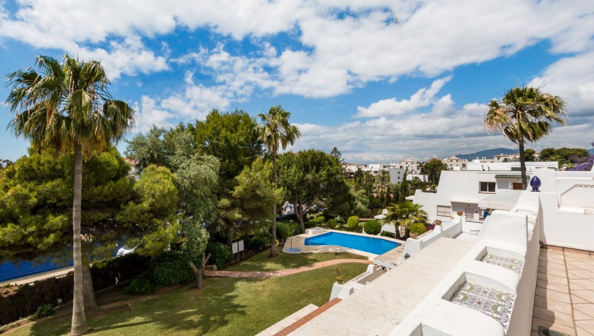 2-TERRACE-DISCOUNT-PROPERTY-CENTER-MARBELLA