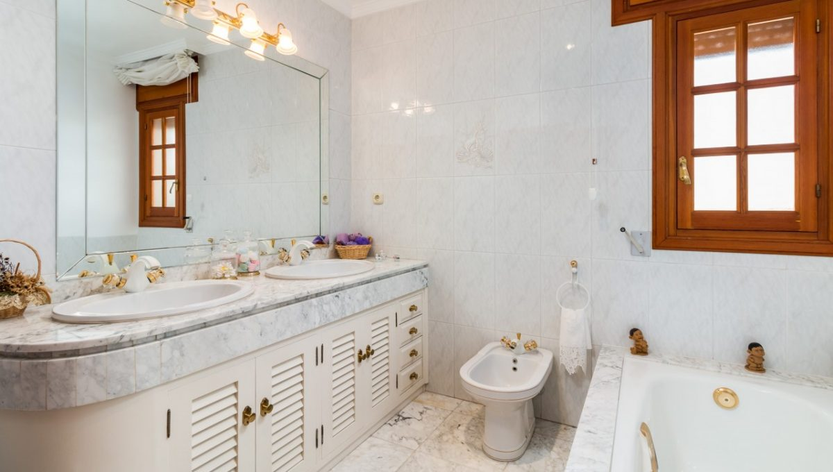 2nd-Bathroom