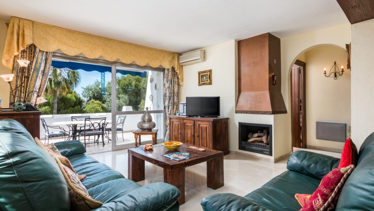 5-LIVING-AREA-DISCOUNT-PROPERTY-CENTER-MARBELLA