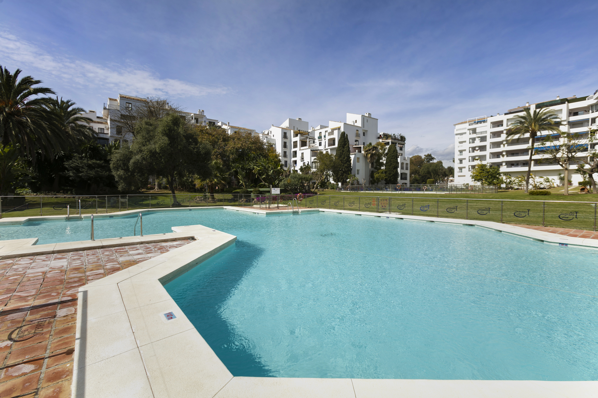 Stunning brand new apartment in Puerto Banus