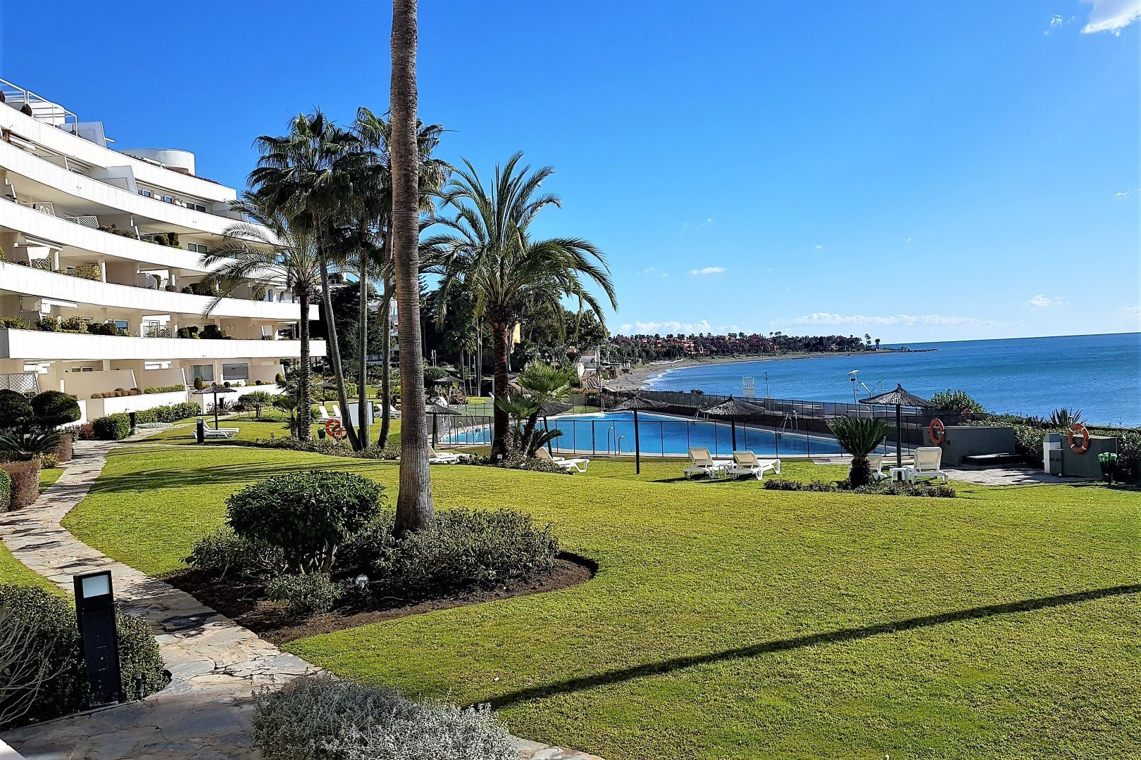 Fabulous Groundfloor apartment beachfront Estepona