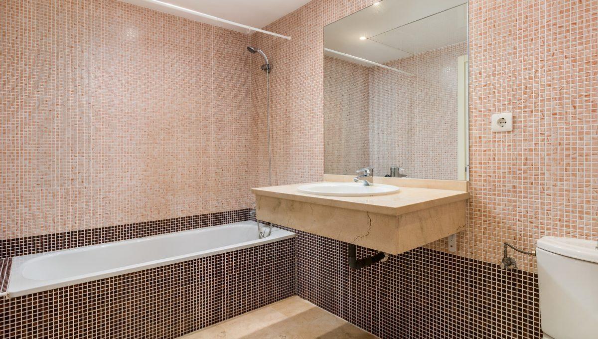 1st-Bathroom-2