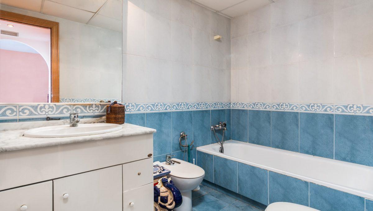 1st-Bathroom-4
