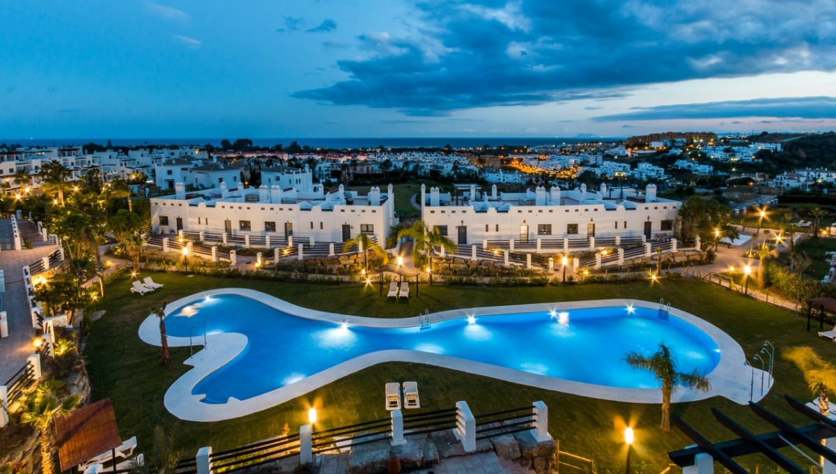 23-NIGHT-SUNSET-GOLF-DISCOUNT-PROPERTY-CENTER-MARBELLA