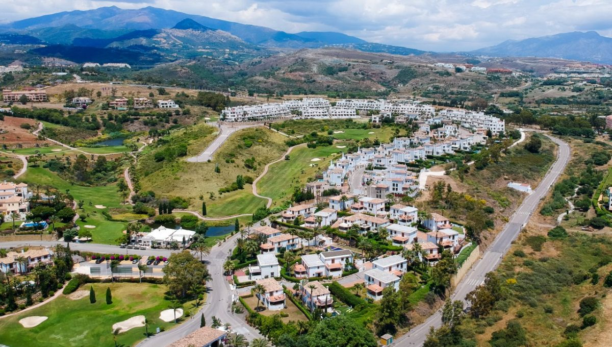 28-DEVELOPMENT-AND-RESINA-VIEWS-SUNSET-GOLF-DISCOUNT-PROPERTY-CENTER-MARBELLA