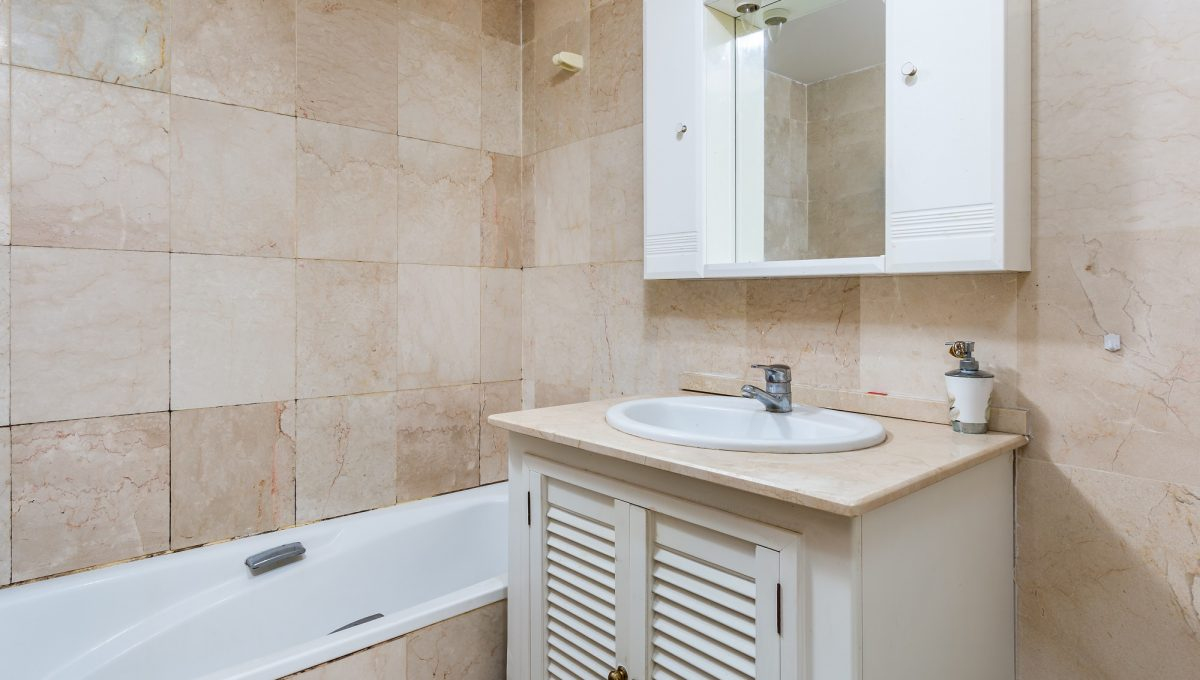 2nd-Bathroom-3