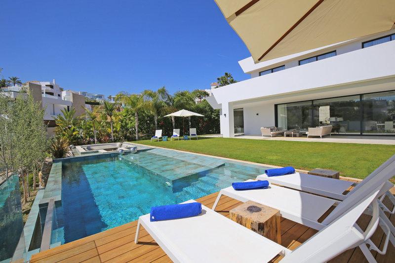 Luxury villa in La Alqueria Benahavis